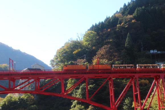 SKY141026 黒部川の清流が織り成す美しいコントラストの紅葉・黄葉綺麗。_d0288367_17205484.jpg
