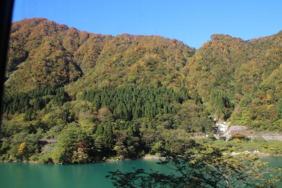 SKY141026 黒部川の清流が織り成す美しいコントラストの紅葉・黄葉綺麗。_d0288367_17242055.jpg