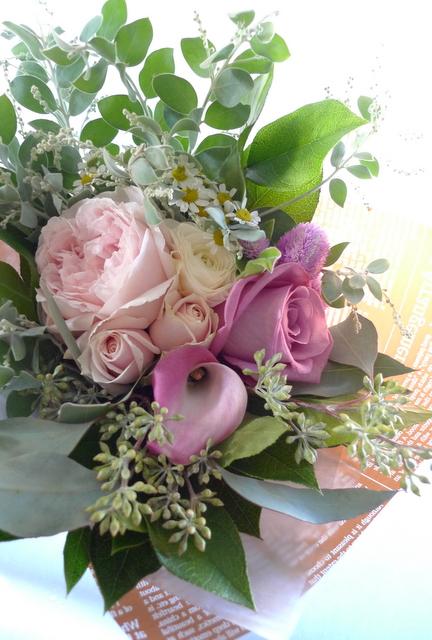 お母様の友人女性への贈り花。_b0171193_19030616.jpg