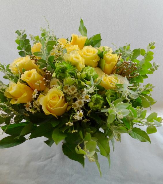 お母様の65歳の誕生日に。富良野に発送。「黄色系で」。_b0171193_19193538.jpg