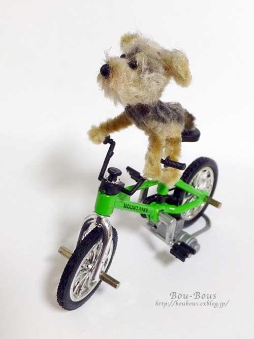 誰の自転車?_d0128697_0341343.jpg
