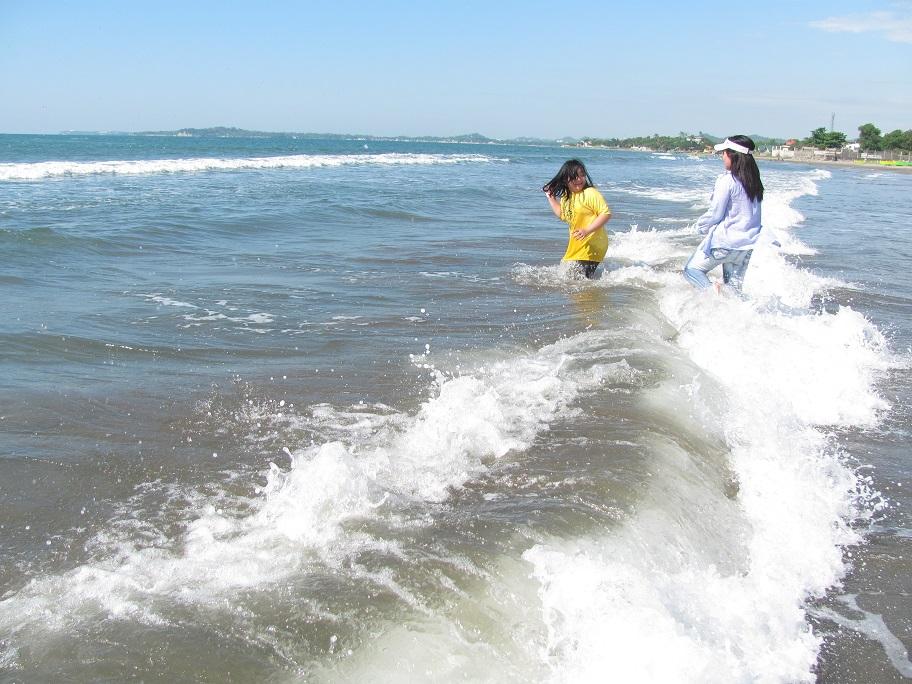 北ルソン日本人会 La Unionビーチへ アウティング_a0109542_1915134.jpg