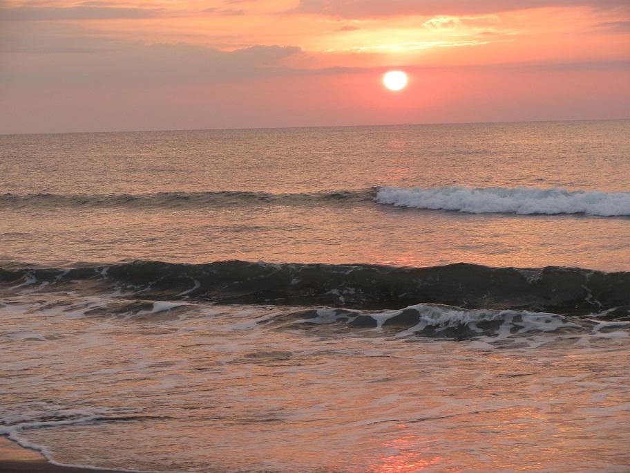 北ルソン日本人会 La Unionビーチへ アウティング_a0109542_1918938.jpg