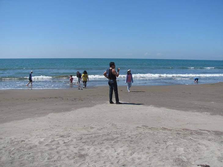 北ルソン日本人会 La Unionビーチへ アウティング_a0109542_1921353.jpg