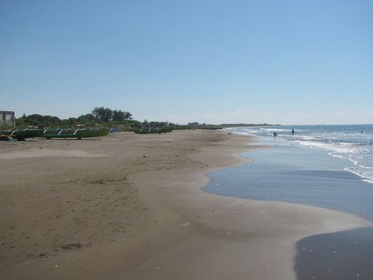 北ルソン日本人会 La Unionビーチへ アウティング_a0109542_1932486.jpg