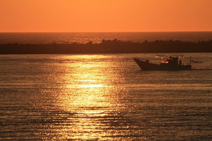 イカ釣り船_c0155950_11323865.jpg