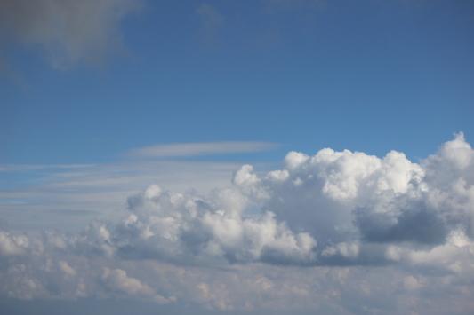 雲のある空_b0129362_20342971.jpg