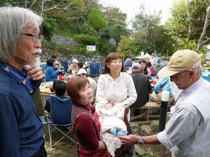 かっちゃんちの芋煮会に赤ちゃんから熟年まで参加10・26_c0014967_1451127.jpg