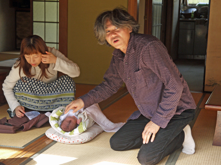 かっちゃんちの芋煮会に赤ちゃんから熟年まで参加10・26_c0014967_14561936.jpg