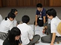 中越高等学校において2つのワークショップを行いました。_c0167632_1705729.jpg