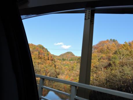 六合村からネッシーがいそうな野反湖へ_c0341450_1892353.jpg