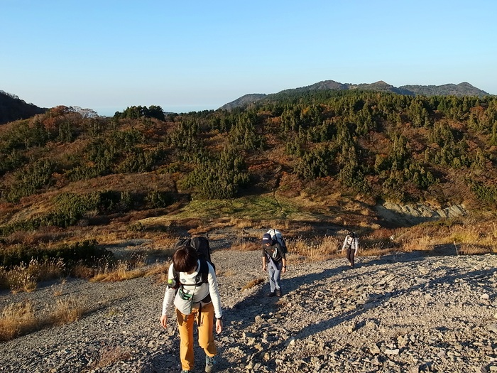 2014.10.25-26 秋の佐渡島ハイク day1_b0219778_23343953.jpg