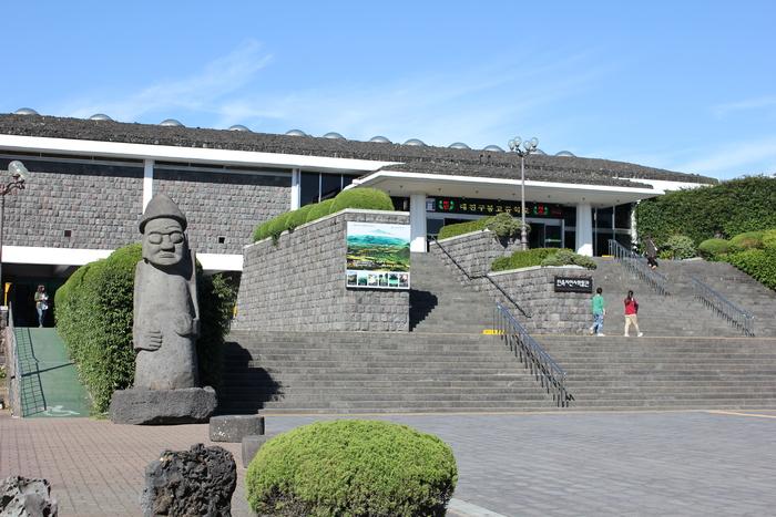 済州島とソウル 郷土料理と民族芸術に触れる旅 その2  済州芸術に遭遇。_a0223786_15373640.jpg