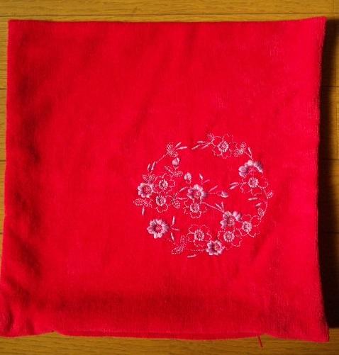 桜とレース編み模様の刺繍クッション作りました♪_c0316026_18130208.jpg