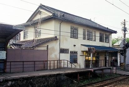 富山地方鉄道 岩峅寺駅_e0030537_034357.jpg