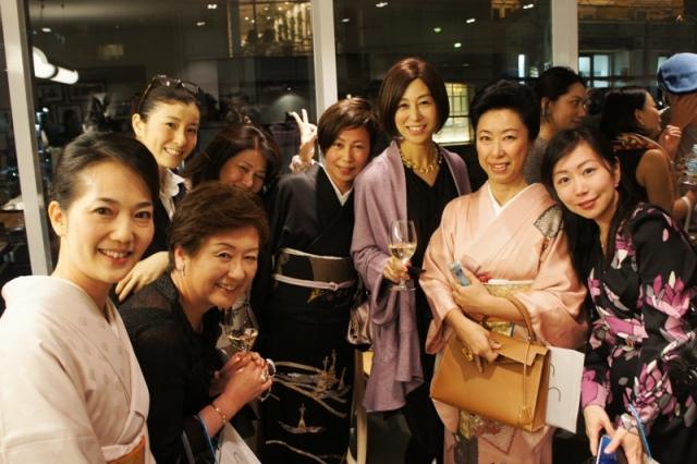 裏地桂子さん『ほめられきもの宣言』出版記念パーティーへ_a0138976_19442549.jpg