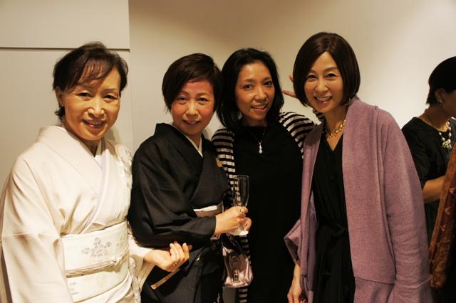 裏地桂子さん『ほめられきもの宣言』出版記念パーティーへ_a0138976_19451633.jpg