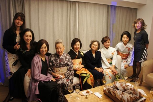 裏地桂子さん『ほめられきもの宣言』出版記念パーティーへ_a0138976_19461932.jpg