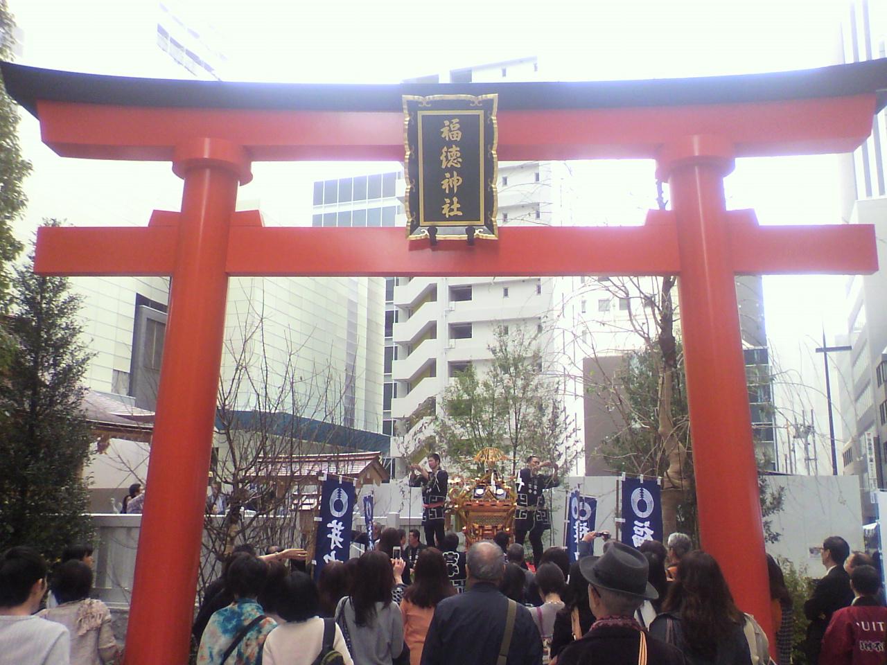 日本橋室町の顔に。_d0062076_1030380.jpg