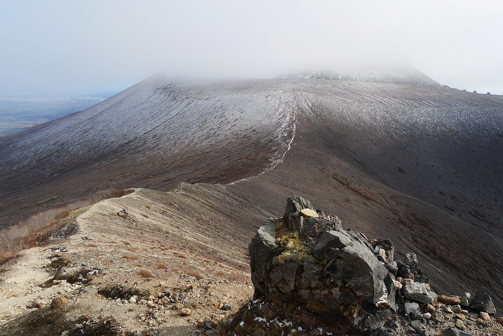 初冠雪の樽前山、10月28日_f0138096_1319466.jpg