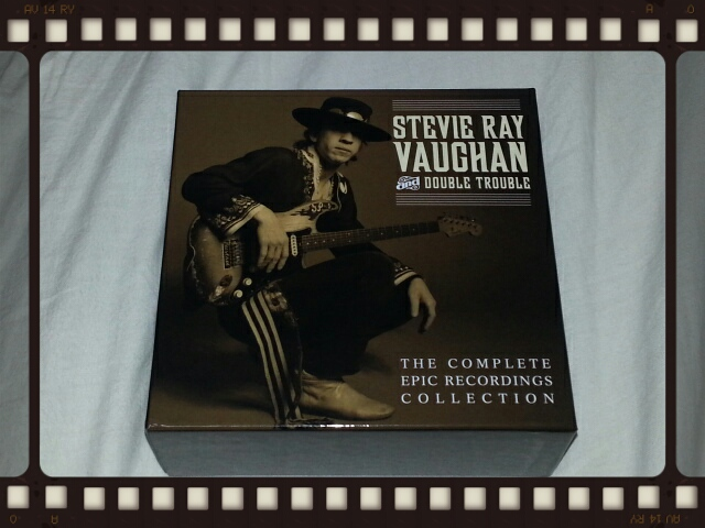 STEVIE RAY VAUGHAN & DOUBLE TROUBLE / THE COMPLETE EPIC RECORDINGS COLLECTION_b0042308_1225778.jpg