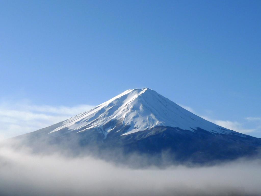 富士山は誰のもの? : 68歳現役ボーカリスト