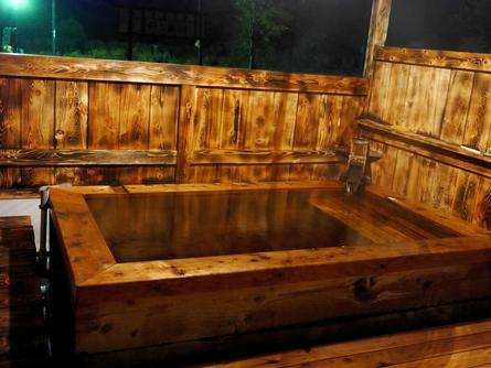 露天風呂ですが・・・_c0160368_1957458.jpg