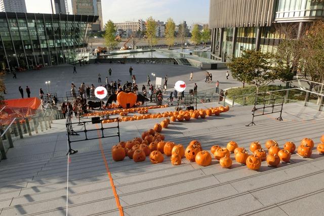 大阪駅広場でハロウィンパーティーちびっ子が可愛い、全国ハロウィンパーティー_d0181492_18114324.jpg