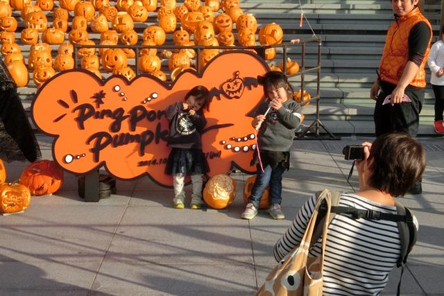 大阪駅広場でハロウィンパーティーちびっ子が可愛い、全国ハロウィンパーティー_d0181492_18134377.jpg