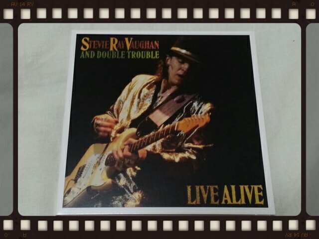 STEVIE RAY VAUGHAN AND DOUBLE TROUBLE / LIVE ALIVE_b0042308_024874.jpg