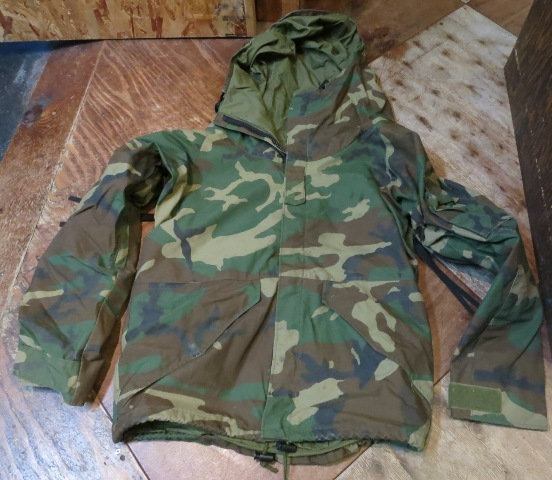 U.S ARMY ゴアテックスウッドランドカモ JKT SMALL SHORT_c0144020_1694459.jpg