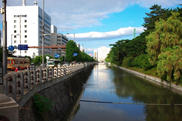 Castle  ・・・お堀端・・・_f0333031_06430070.jpg