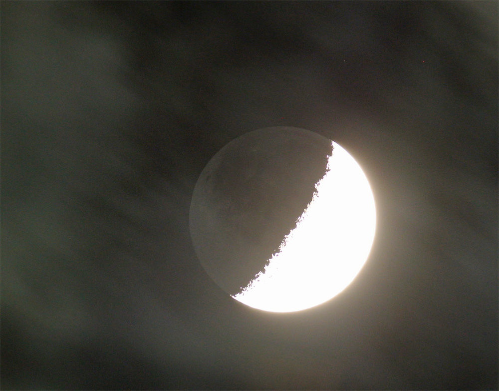 月齢6.5の月、地球照(2014年10月30日)_e0089232_23205541.jpg