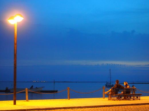 茜色・・・澄んだ碧・・・そして闇に・・・暮れる海辺で_f0152733_6284733.jpg