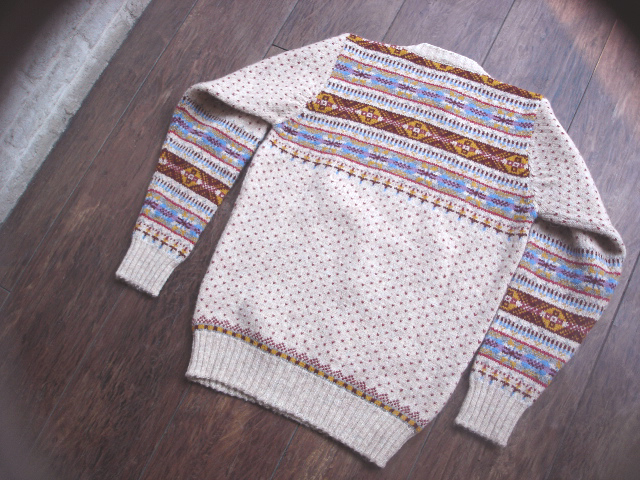 NEW : Jamieson\'s [Crew Neck Pullover] & [V Neck Vest] !!_a0132147_015597.jpg