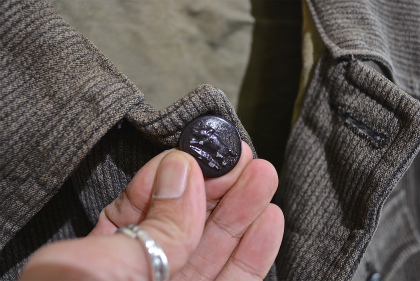 French hunting jacket with animal buttons_f0226051_1626276.jpg