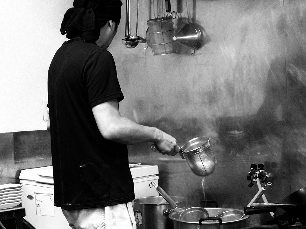 高丘「麺匠 独眼流」で200%カツオラーメン_e0220163_13115286.jpg