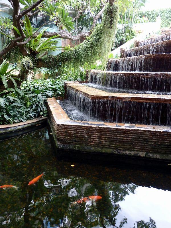 Dusit Thani Hotel  ,  Bangkok_d0103566_15465288.jpg