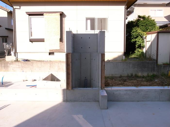 コンクリート打設、基礎工事完了_d0332870_673959.jpg