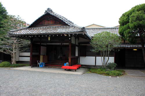 京都非公開文化財特別公開始まる_e0048413_2181099.jpg