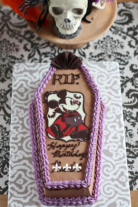 ミッキーの棺ケーキバースデーケーキとハロウィンパーリー!_f0149855_2302428.jpg