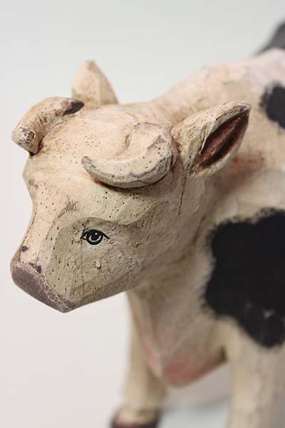 フランスブロカント 牛手彫り木製置き物入荷しました。_b0270459_22201897.jpg