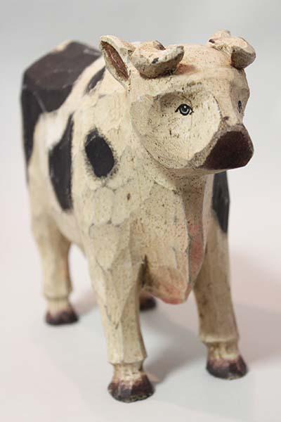 フランスブロカント 牛手彫り木製置き物入荷しました。_b0270459_22223430.jpg