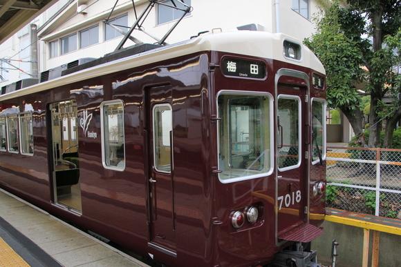 阪急7018F _d0202264_11151956.jpg