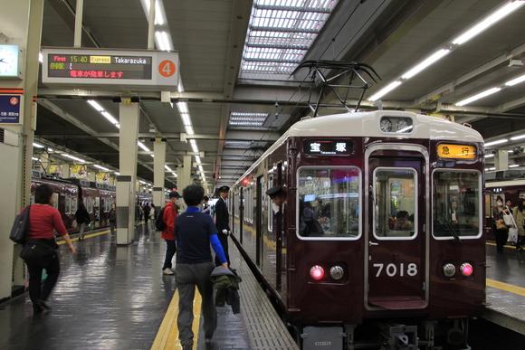 阪急7018F 宝塚線_d0202264_752489.jpg