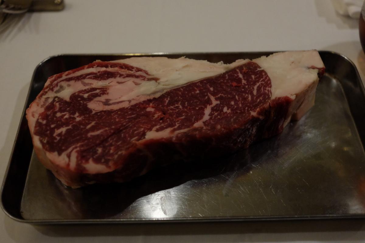 熟成肉を満喫@ANTICA OSTERIA CARNEYA[牛込神楽坂/東京]_c0013687_1755610.jpg