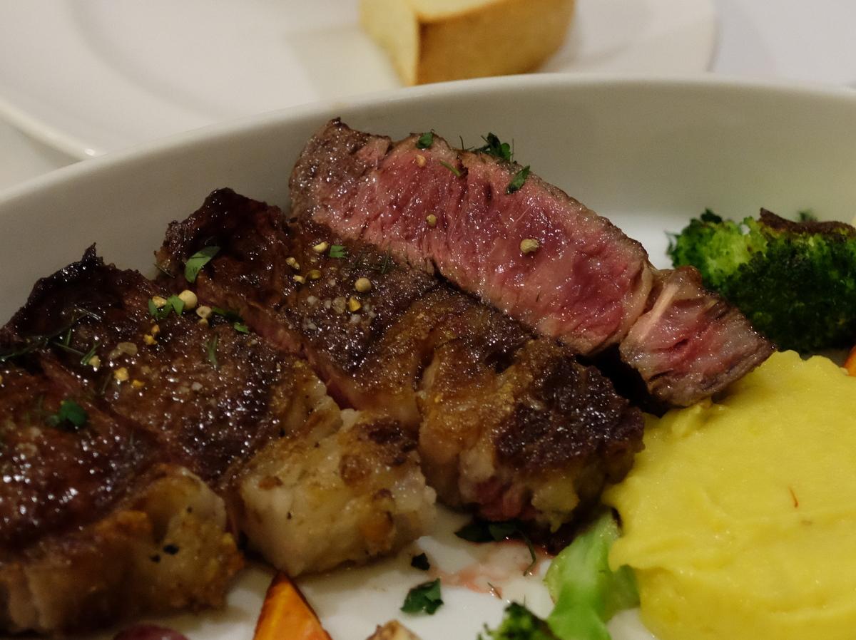 熟成肉を満喫@ANTICA OSTERIA CARNEYA[牛込神楽坂/東京]_c0013687_1762100.jpg