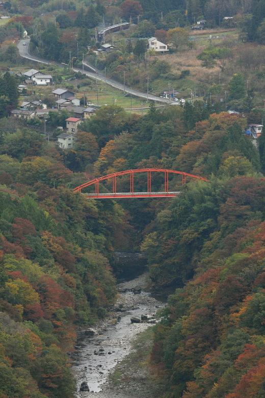 紅葉を結ぶ赤い橋 - 2014年紅葉・秩父 -  _b0190710_23353987.jpg