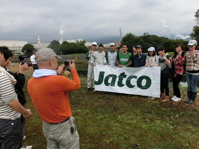 「よき企業市民」に 中塚社長を始め120名以上のジヤトコの皆さんに参加いただいたヒガンバナの植付け作業_f0141310_743111.jpg