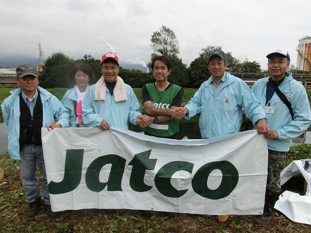 「よき企業市民」に 中塚社長を始め120名以上のジヤトコの皆さんに参加いただいたヒガンバナの植付け作業_f0141310_7433556.jpg